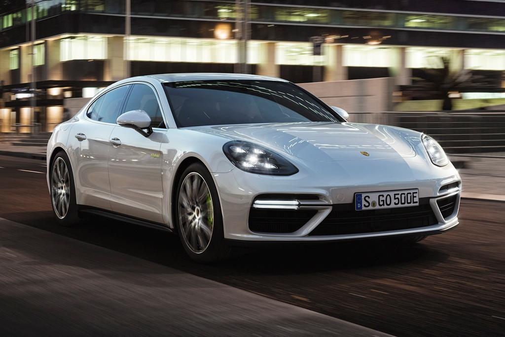 There S A New Top Dog In The Porsche Panamera Line Up V8 Hybrid Sedan Hits 100km H Just 3 4sec