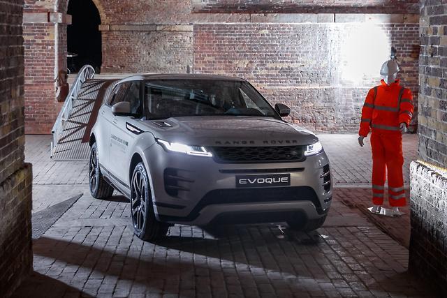 Range Rover Evoque 2019 Review - motoring.com.au