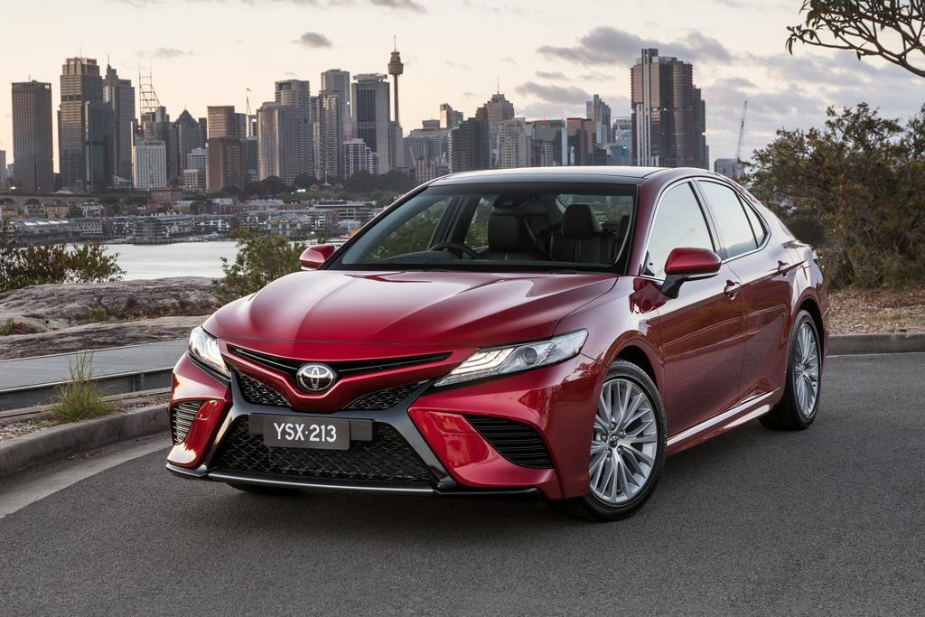 toyota camry 2018 review. Black Bedroom Furniture Sets. Home Design Ideas