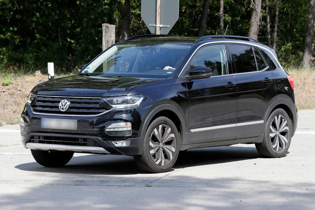 spy pics volkswagen t cross exposed. Black Bedroom Furniture Sets. Home Design Ideas